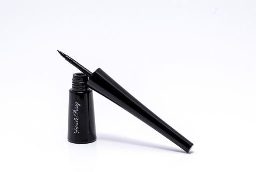 Liquid Eyeliners For Women
